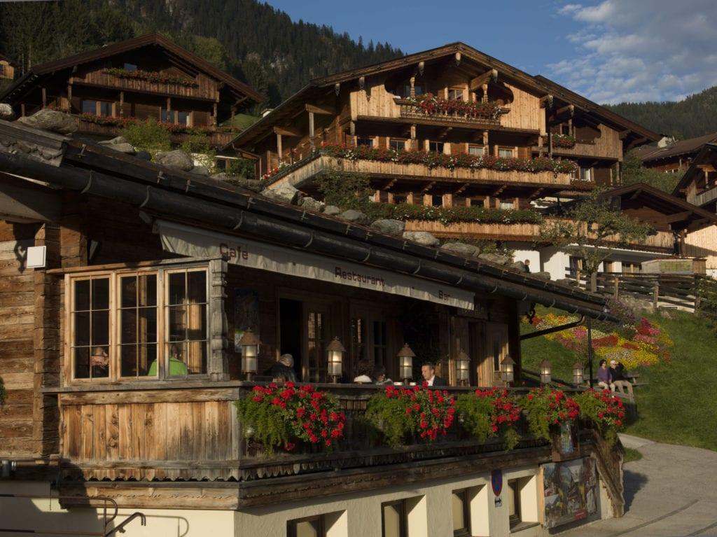 Alpbach, Dorf, Zentrum, Holzgebäude, Mogasi